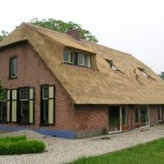 rietdekker Apeldoorn_kosten rieten dak_Rieten dak - Boerderij Woudenberg voorzijde